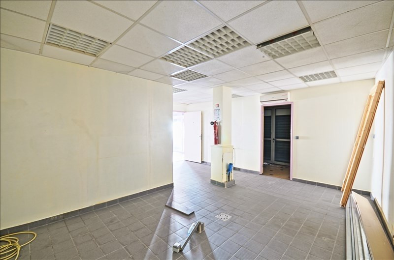Location local commercial St denis 1 500€ HT/HC - Photo 6