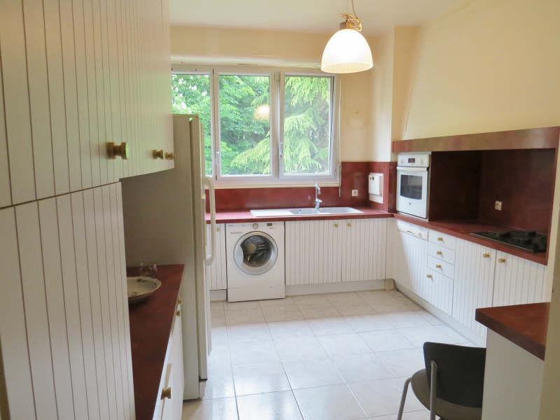 Rental apartment Le mesnil le roi 2300€ CC - Picture 3
