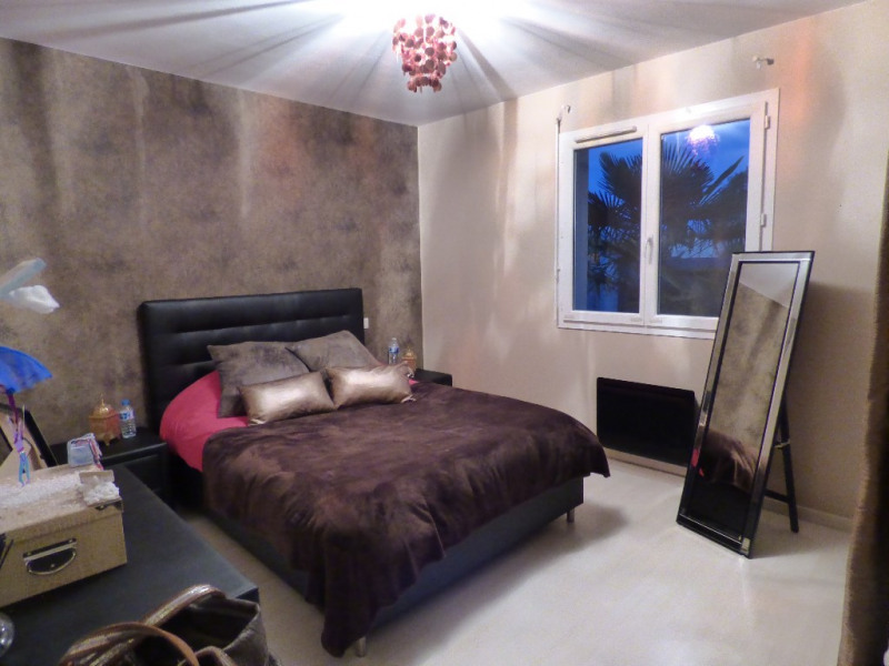 Sale house / villa Gauriaguet 220000€ - Picture 6
