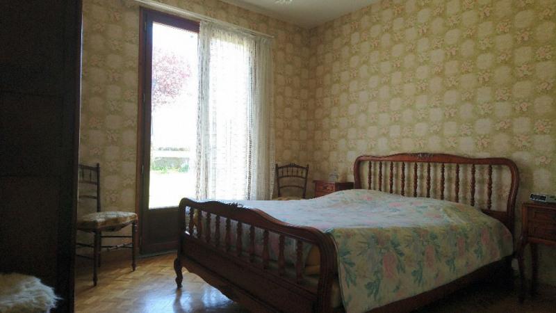 Sale house / villa Laval 117800€ - Picture 3
