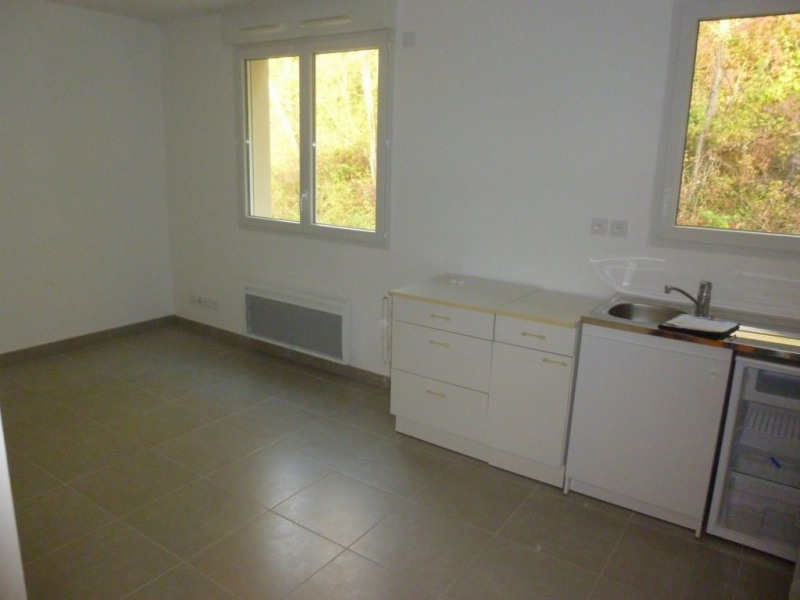 Rental apartment Poisat 273€ CC - Picture 2