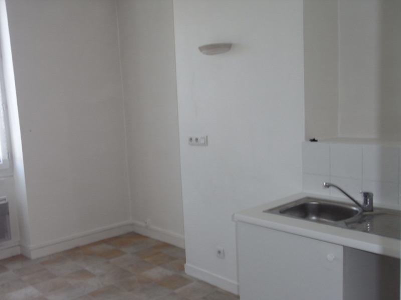 Rental apartment Givors 396€ CC - Picture 1