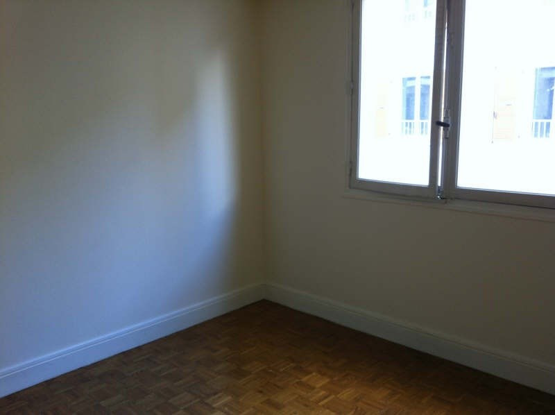 Location appartement Poissy 750€ CC - Photo 3