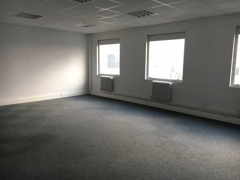 Location Local d'activités / Entrepôt Osny 0