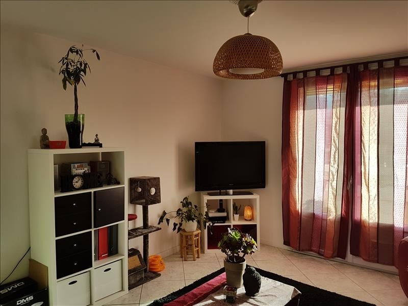 Rental apartment Marseille 14 593€ CC - Picture 1