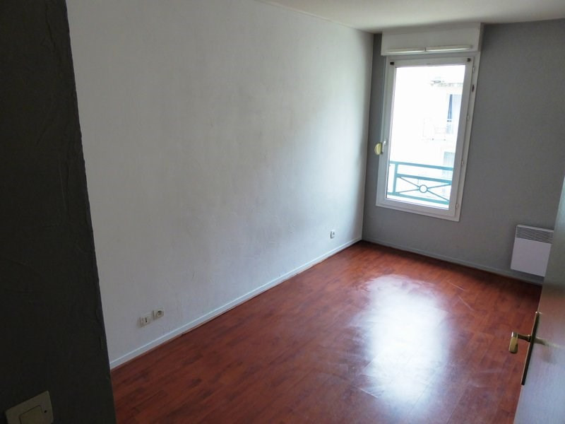 Rental apartment Trappes 888€ CC - Picture 3