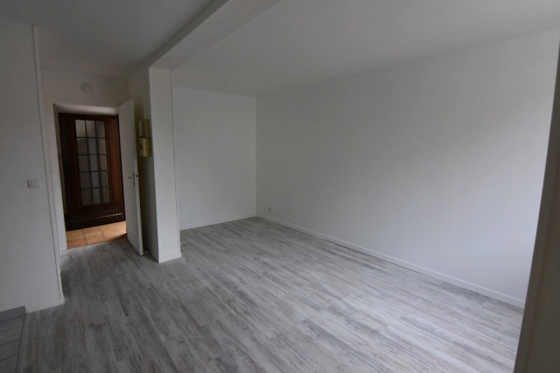 Rental apartment Neuilly en thelle 520€ CC - Picture 1