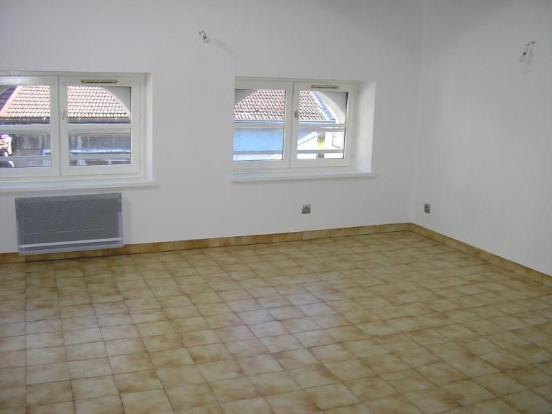 Rental apartment Nantua 406€ CC - Picture 3