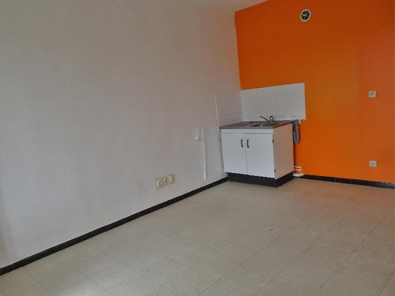 Location appartement Neuville sur saone 577€ CC - Photo 3