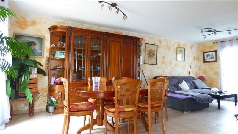 Sale house / villa Monteux 230000€ - Picture 2