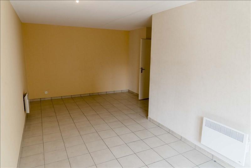 Location appartement Bellignat 378€ CC - Photo 2