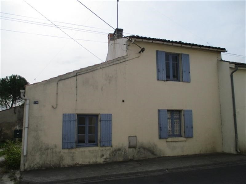 Sale house / villa St jean d angely 38 000€ - Picture 1