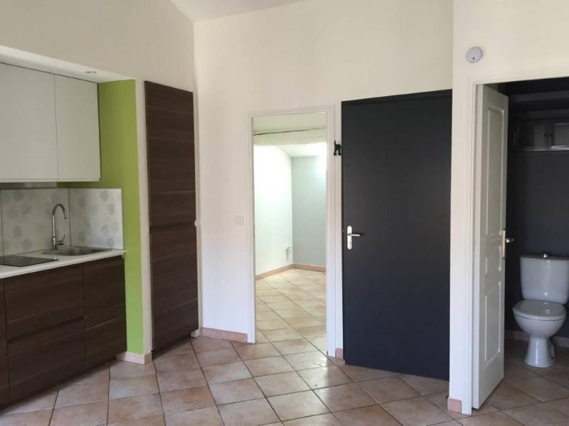 Rental apartment Avignon 410€ CC - Picture 1