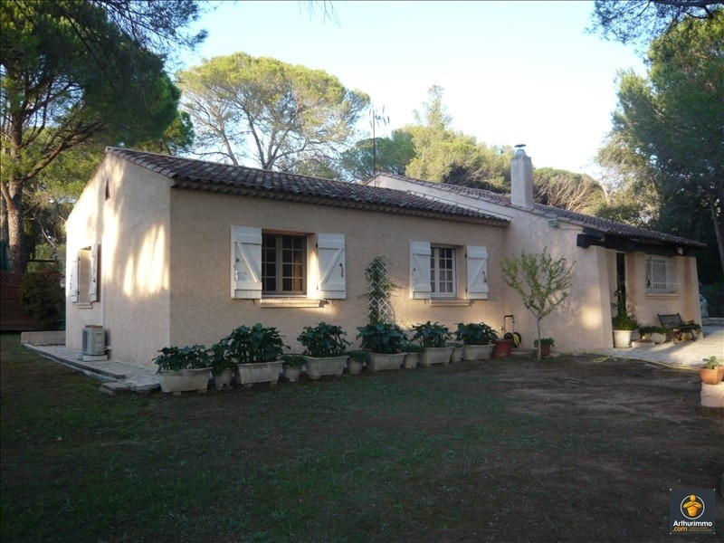 Sale house / villa Frejus 495 000€ - Picture 1