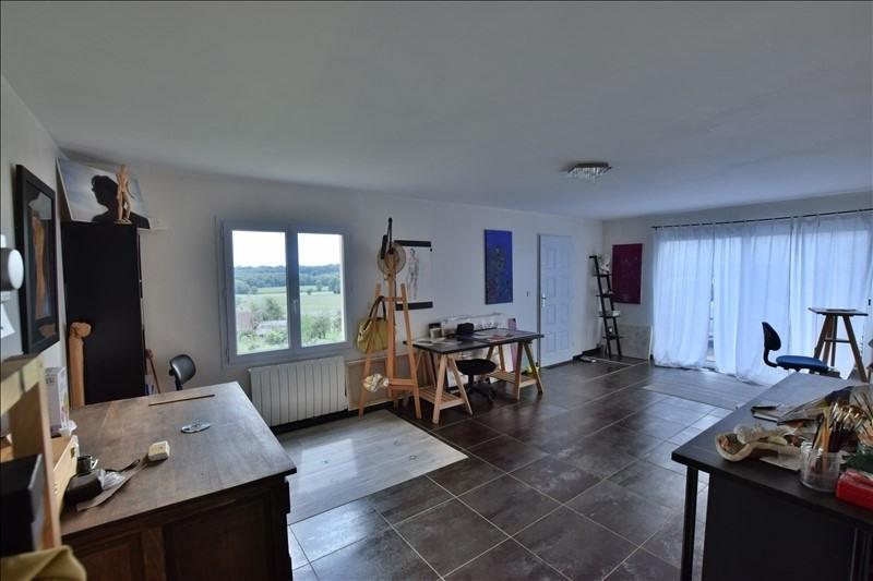 Sale house / villa Mazerolles 276000€ - Picture 5