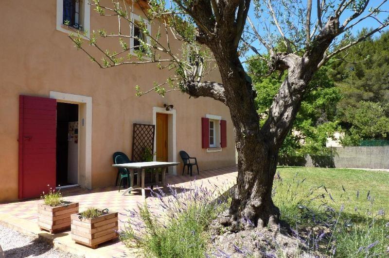 Location maison / villa Mimet 1898€ CC - Photo 2