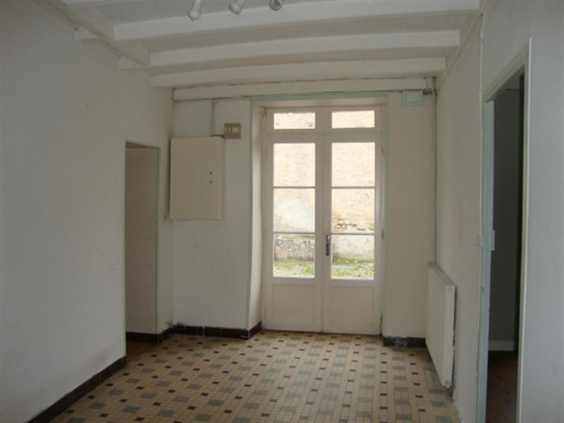 Sale house / villa Loulay 69 800€ - Picture 8