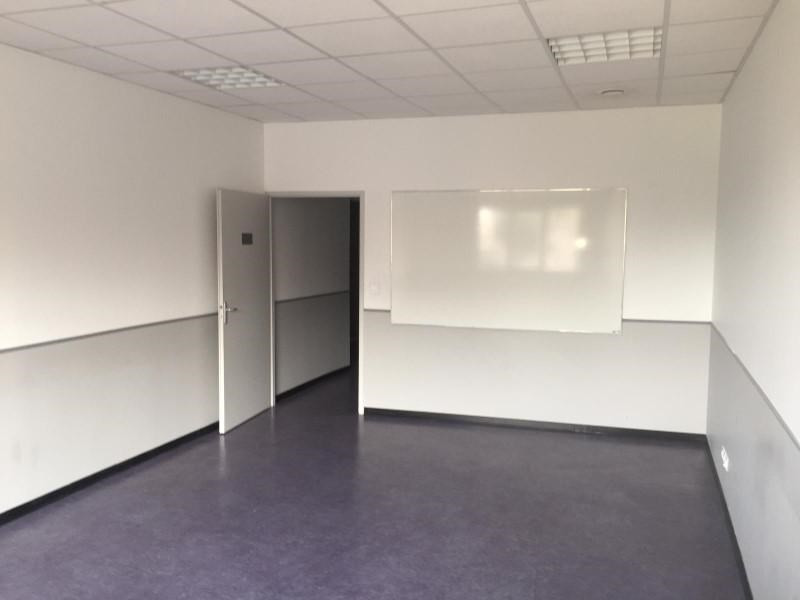 Location local commercial Roanne 1 780€ +CH/ HT - Photo 2