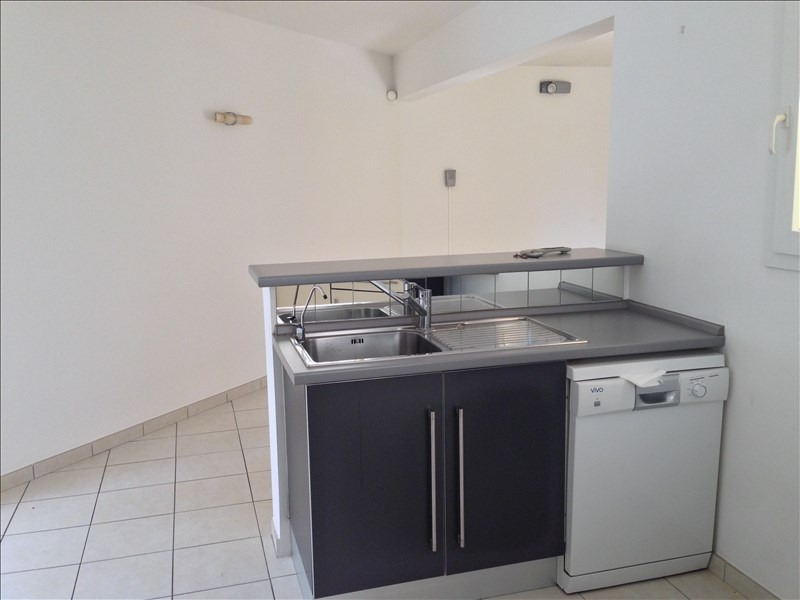 Location maison / villa La possession 1 238€ CC - Photo 5