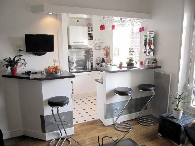 Rental apartment Courbevoie 1335€ CC - Picture 1