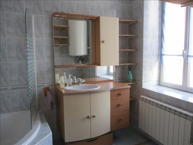 Sale apartment Oyonnax 93 000€ - Picture 2