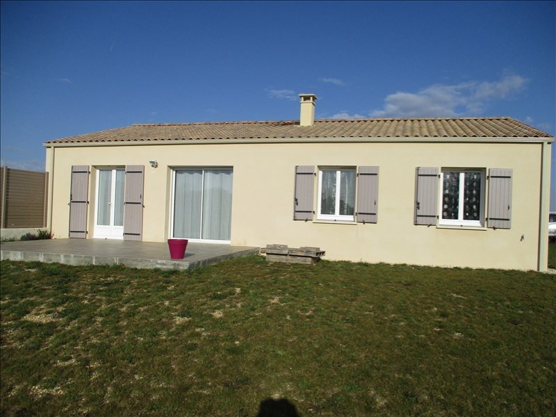 Sale house / villa St jean d angely 158 685€ - Picture 1