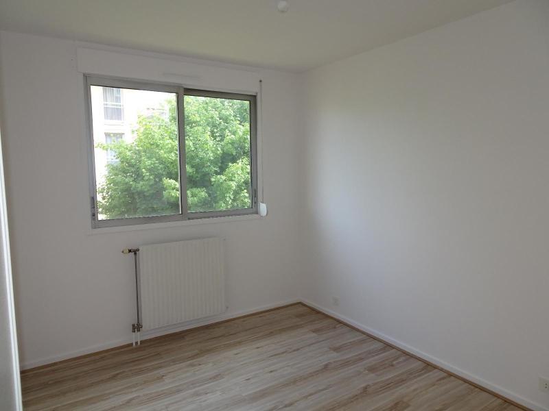 Location appartement Villefranche sur saone 964€ CC - Photo 6