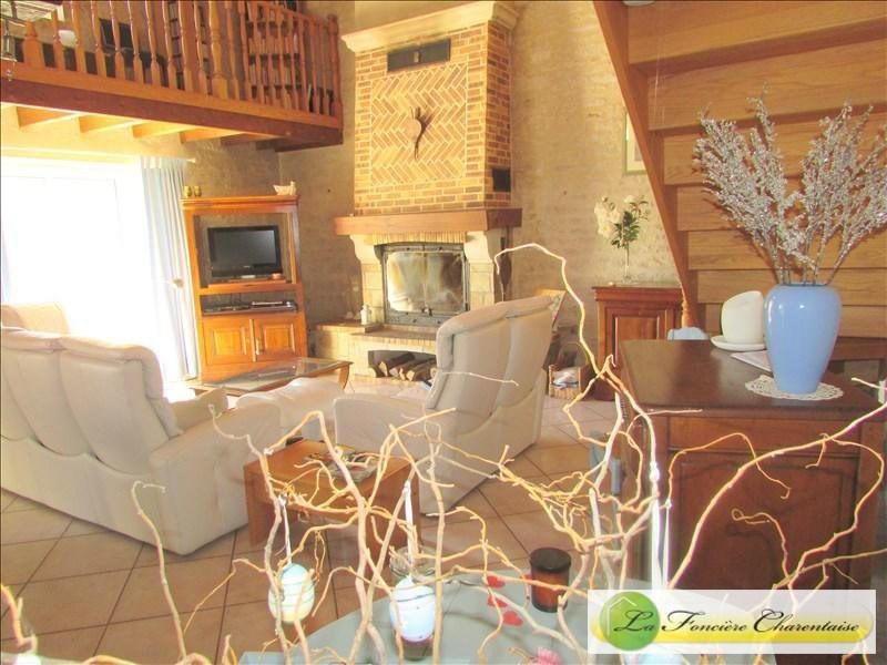 Vente maison / villa Villefagnan 328000€ - Photo 11