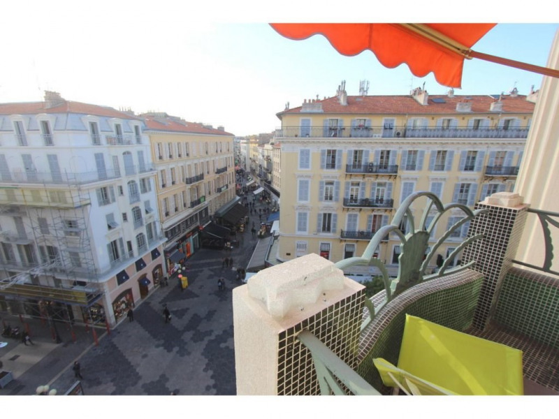 Sale apartment Nice 220000€ - Picture 1