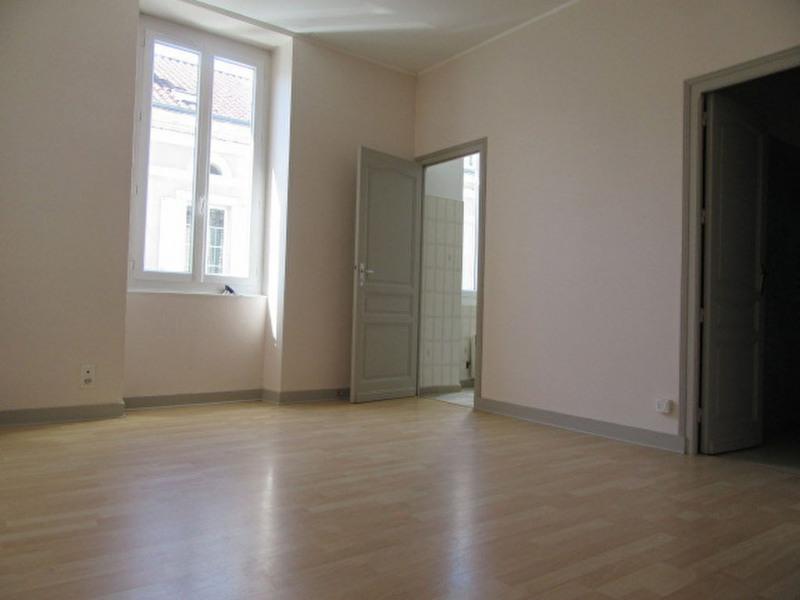 Location appartement Perigueux 338€ CC - Photo 2