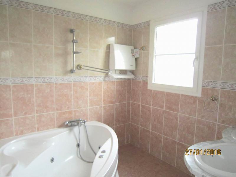Sale house / villa Saint-laurent-de-cognac 264500€ - Picture 14