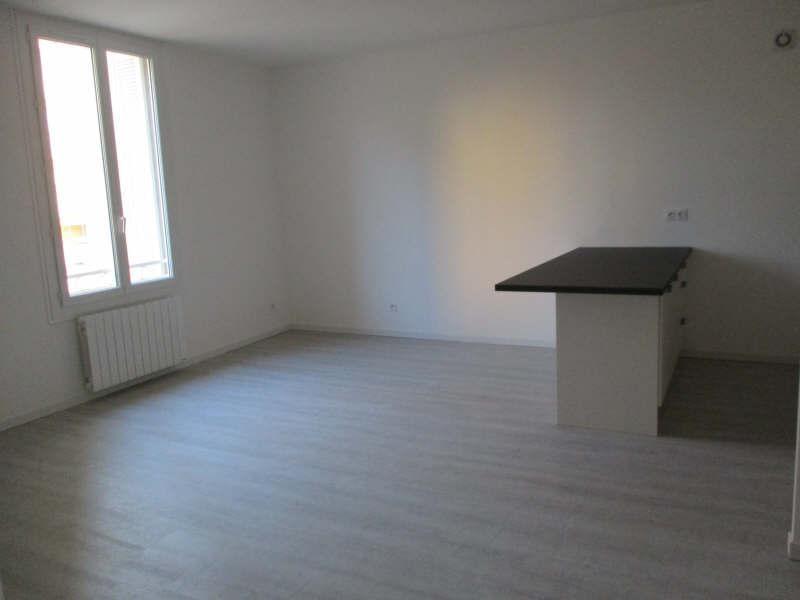 Rental apartment Salon de provence 860€ CC - Picture 2