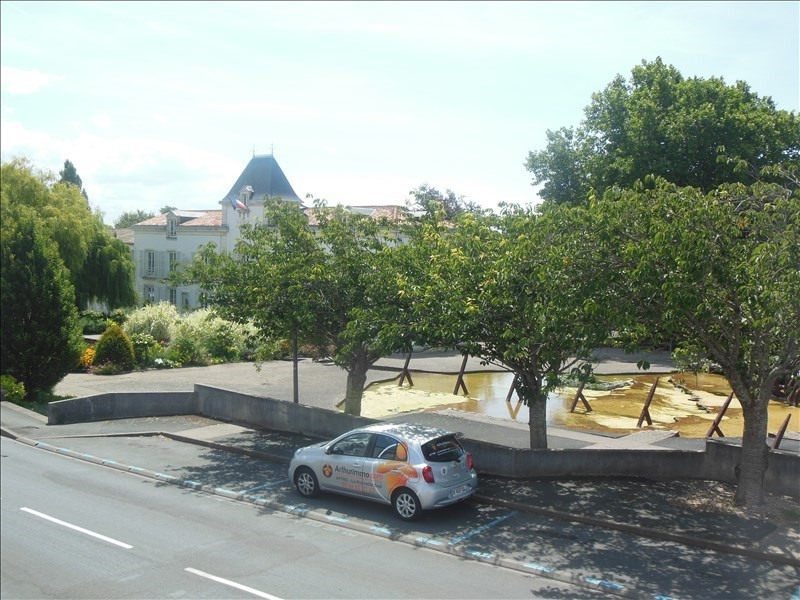 Investment property building Aytre 423000€ - Picture 2