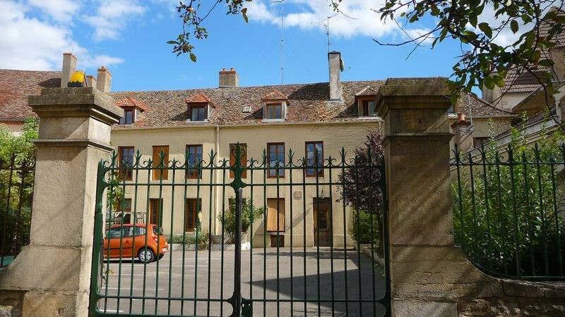 Sale apartment St jean de losne 98000€ - Picture 1