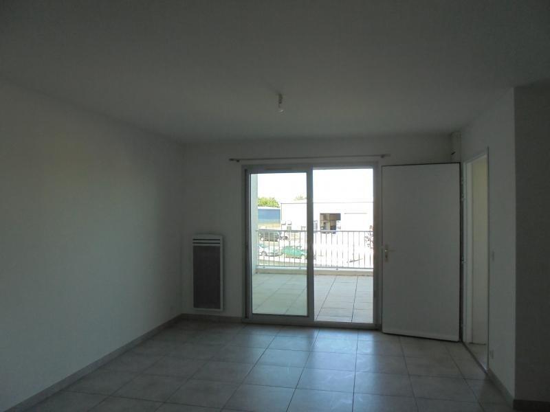 Location appartement Lunel 650€ CC - Photo 5