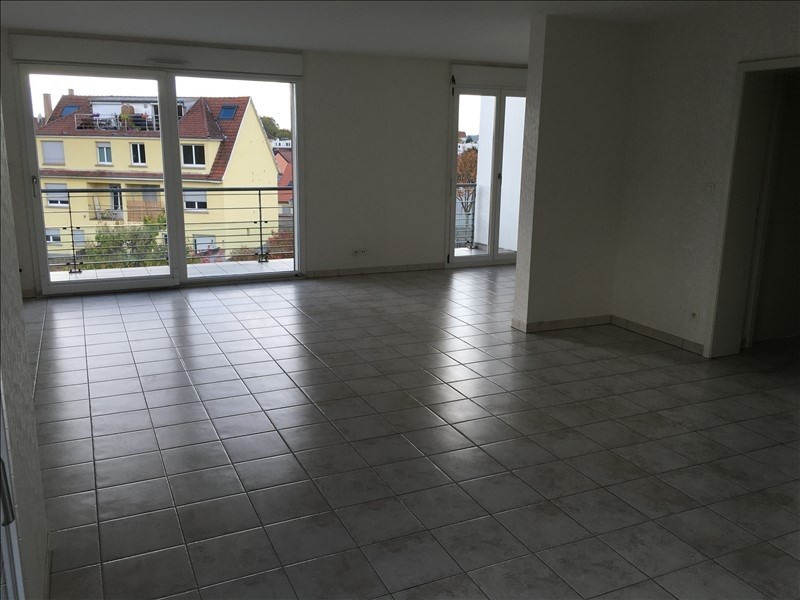 Rental apartment Souffelweyersheim 1034€ CC - Picture 1