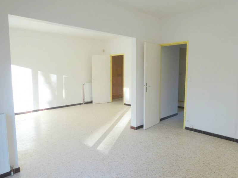 Location maison / villa Avignon 895€ CC - Photo 3