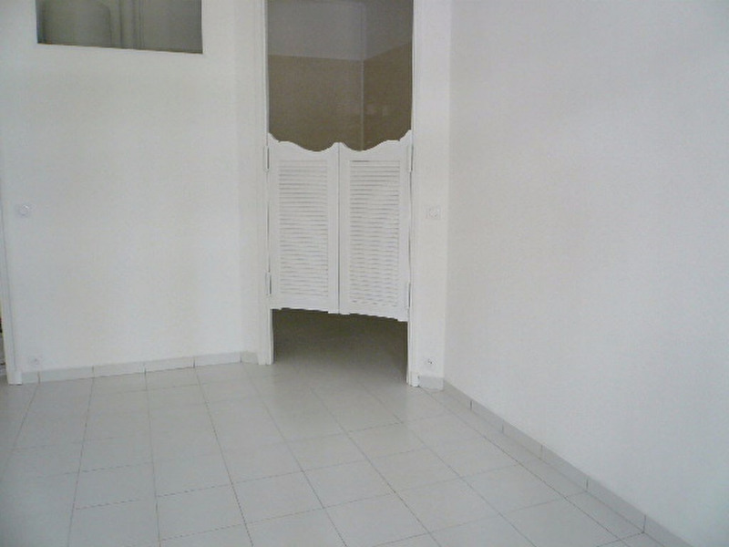 Location appartement Nice 490€ CC - Photo 3