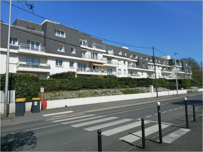 Rental apartment Athis mons 596€ CC - Picture 1