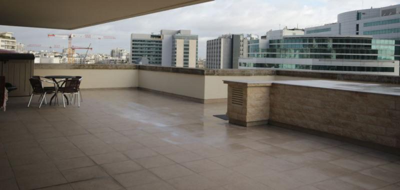 Sale apartment Courbevoie 884000€ - Picture 3