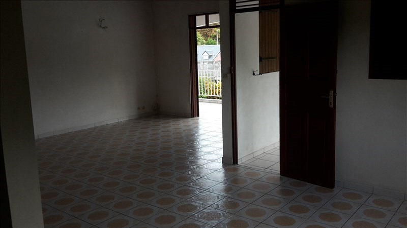 Rental house / villa Le gosier 1 053€ CC - Picture 9