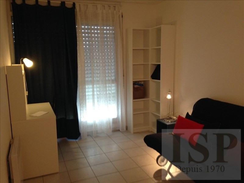 Location appartement Marseille 5ème 429€ CC - Photo 9