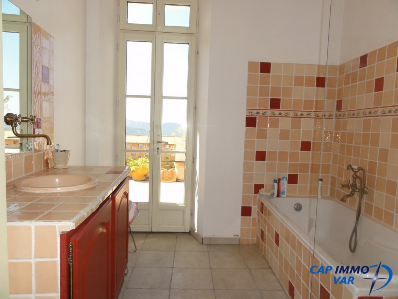 Deluxe sale house / villa Le castellet 570000€ - Picture 7