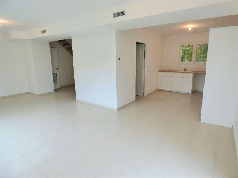 Sale house / villa St loubes 320000€ - Picture 3