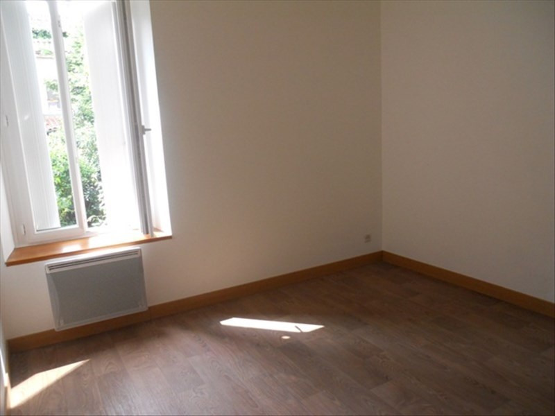 Location maison / villa Beaupreau 343€cc - Photo 3