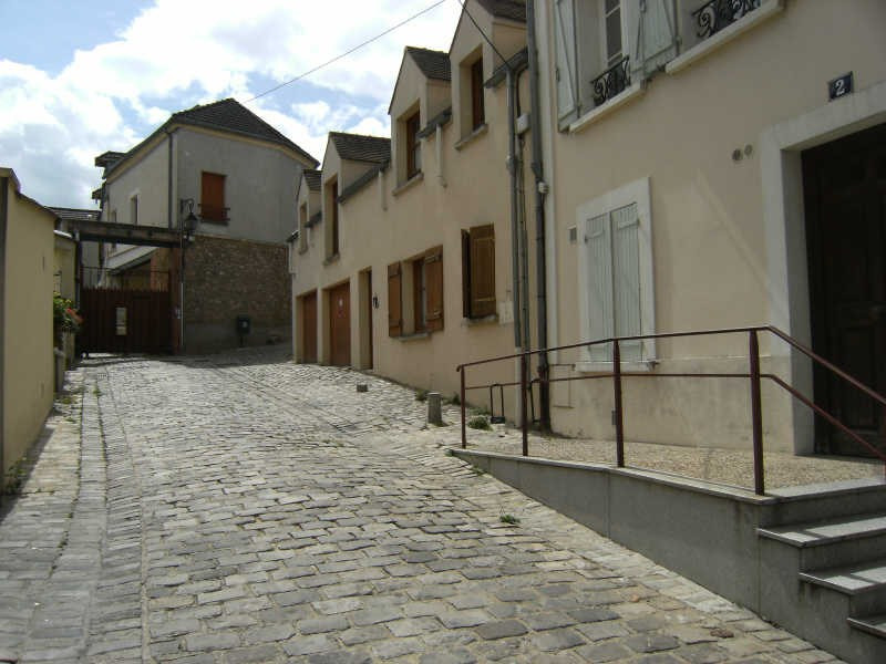 Rental apartment Chambourcy 738€ CC - Picture 1