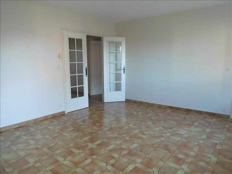 Rental apartment Yssingeaux 551,75€ CC - Picture 2