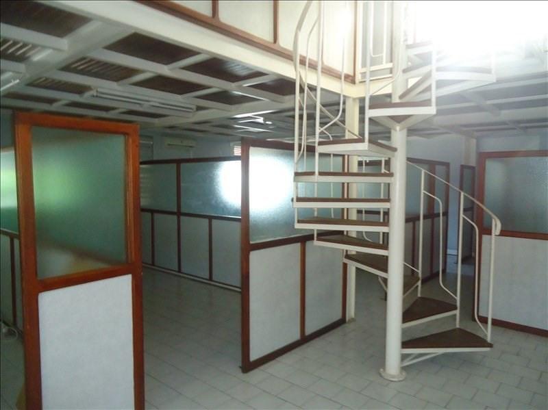 Rental empty room/storage Baillif 10506€ CC - Picture 1