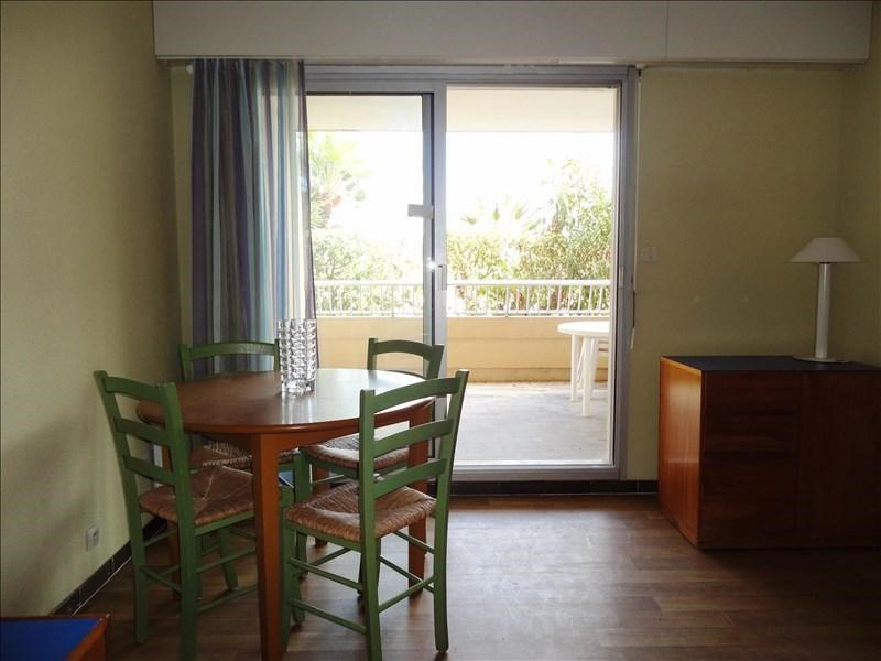 Location appartement Hyeres 492€ CC - Photo 3