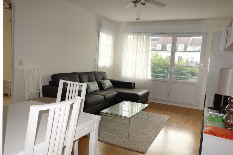 Location appartement Lagny sur marne 726€ CC - Photo 1